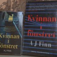 Grupplogga för Kungsfiskarens bokcirkel vid Klippans bibliotek läser Kvinnan i fönstret av A J Finn